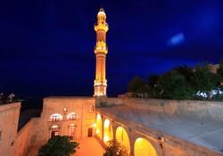 Mardin Şehidiye Camii ve Medrese'si